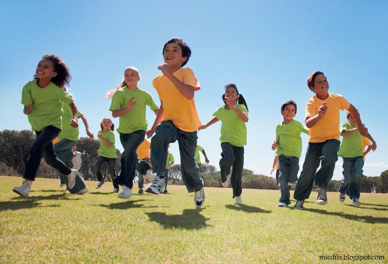 تحرک و ورزش کودکان